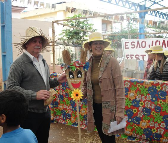 São João é comemorado com músicas,  danças e brincadeiras na Rua do Lazer