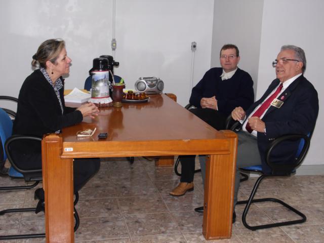 Administração municipal  recebe visita do governador do Rotary