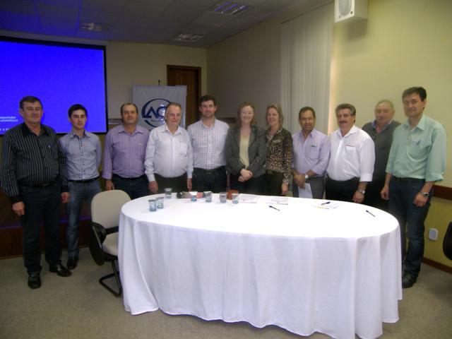 Prefeita participa de Seminário sobre Agroindústria Familiar Com integrantes da Amuplam e Emater/Ascar-RS em Panambi