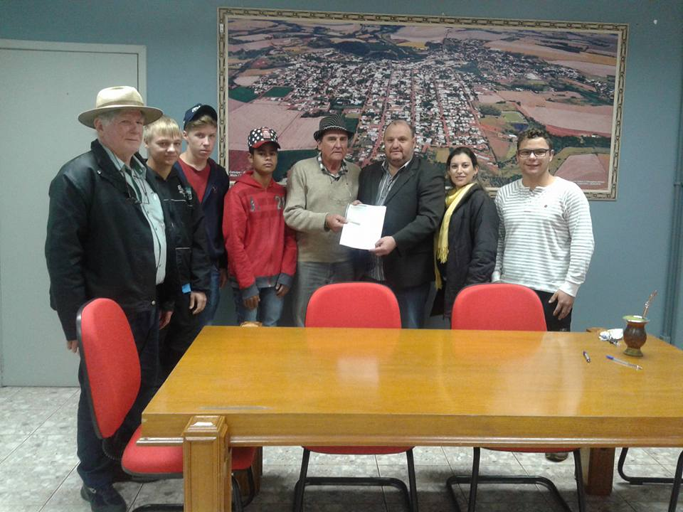 Prefeitura assina convênio com Casa Familiar Rural de Catuipe