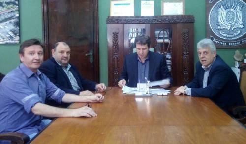 Municipio de Catuipe recebe veículo para o Programa DISSIMINA.