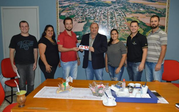 Integrantes da JS PDT em visita ao Prefeito Municipal