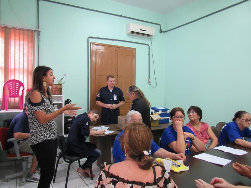 CRAS oferece atividade diferenciada para idosos