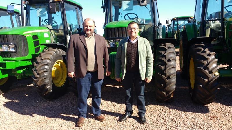 Município recebe novo trator agrícola