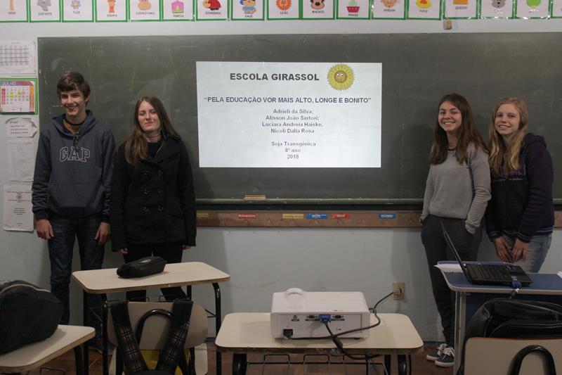 Apresentação de Trabalhos na Escola Girassol para Feira Regional de Matemática