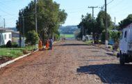 Prefeito acompanha obras de asfalto