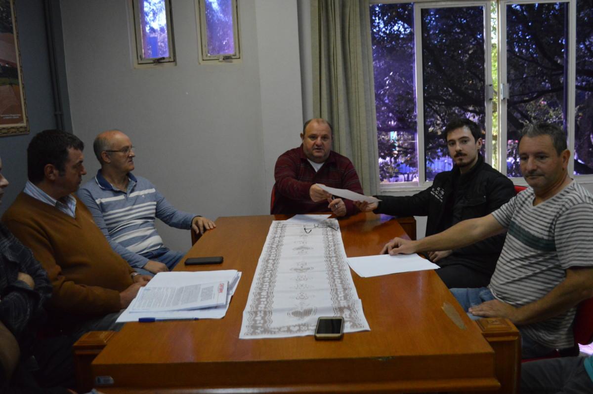 ADMINISTRAÇÃO MUNICIPAL DARÁ INICIO A OBRA DE CONSTRUÇÃO DUAS PONTES