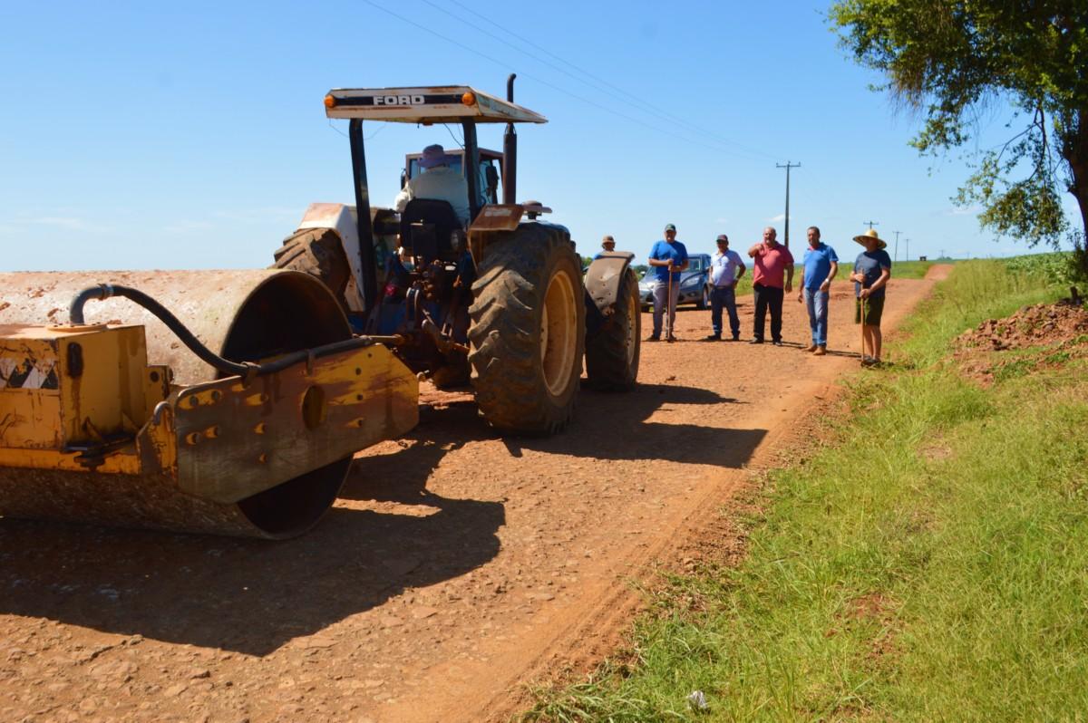 Secretaria de Obras Realiza Manutenção em Estradas do Interior