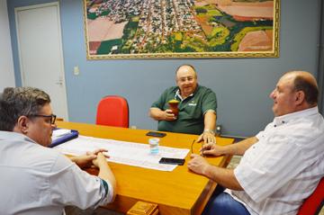 Ceriluz e Executivo de Catuípe Avaliam Andamento de Obras na idade